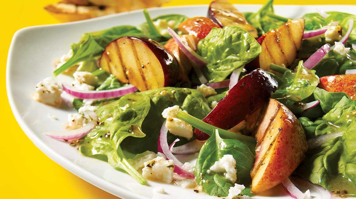 Salade tiède de prunes et nectarines grillées