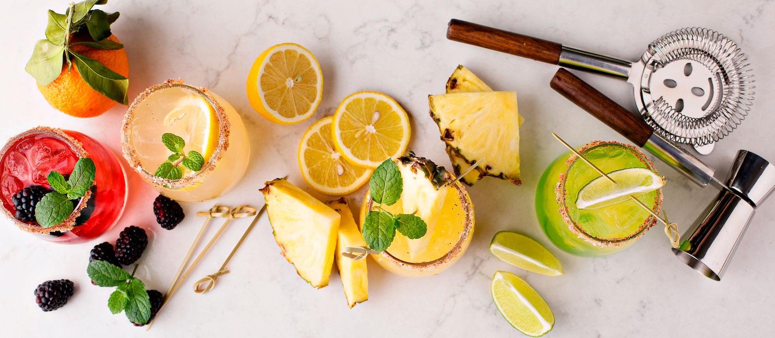 5 trucs de mixologie pour des cocktails estivaux rafraîchissants